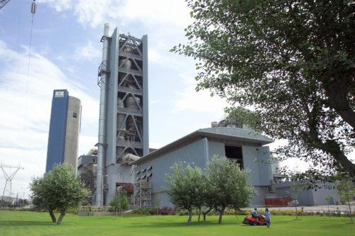 Ελλάδα - εργοστάσιο τσιμέντου Θεσσαλονίκης
